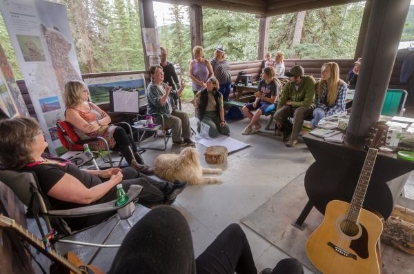 Image of performers and audience at Nunatuk Campground Cookshack Session