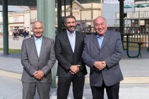 Sandy Silver a accueilli Bob McLeod et Joe Savikataaq à Dawson les 13 et 14 juin derniers.
